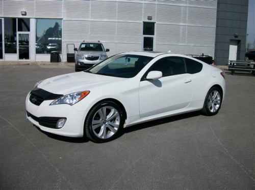 hyundai genesis coupe 2 0t premium 2010 hyundai genesis coupe vendre hyundai occasion. Black Bedroom Furniture Sets. Home Design Ideas